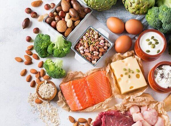 Theo lời khuyên của TS.BS Lê Thị Tuyết Phượng, người bệnh nên ăn uống có kiểm soát