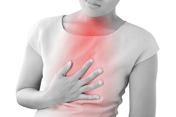 Người bệnh sẽ thường xuyên có cảm giác đau thắt vùng ngực